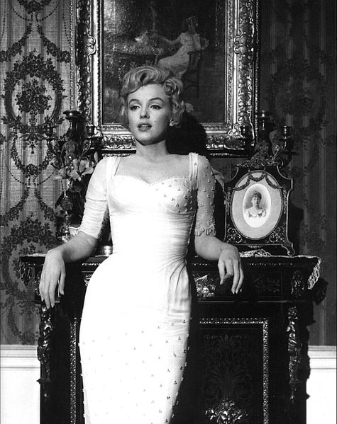 475px-Marilyn_Monroe,_The_Prince_and_the_Showgirl,_1.jpg