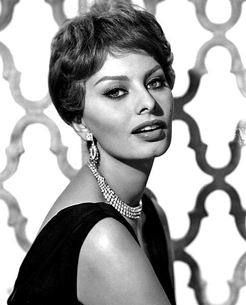 484px-Sophia_Loren_-_1959.jpg